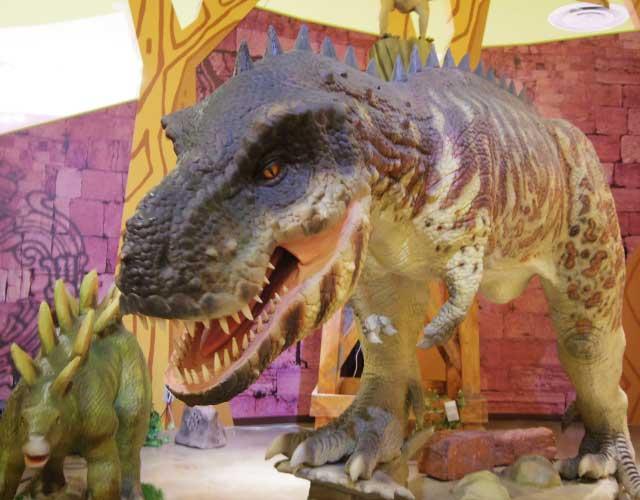 体感・体験恐竜記